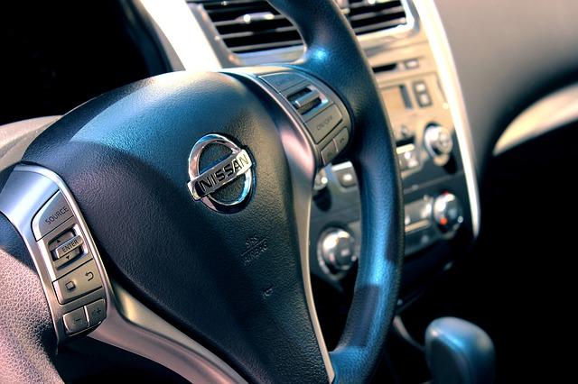 Automobilka Nissan